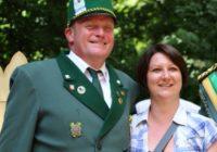 Christopher Berlyn und Agascha Rubesch neues Schützenkönigspaar in Schloß Neuhaus